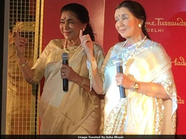 Asha Bhosle Unveils Wax Statue At Madame Tussauds Delhi