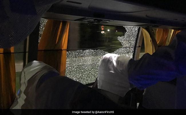 गुवाहाटी T20 में भारत की हार के बाद ऑस्ट्रेलियाई टीम की बस पर हमला, एरोन फिंच ने ट्वीट की तस्वीर