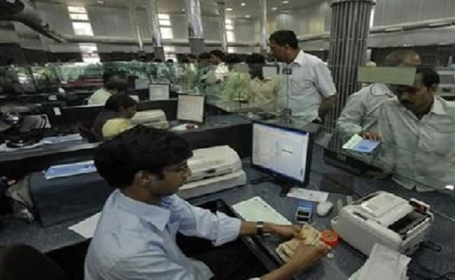 Restrict Withdrawals To Rs 1,000 Per Account: RBI To Mumbai-Based Bank