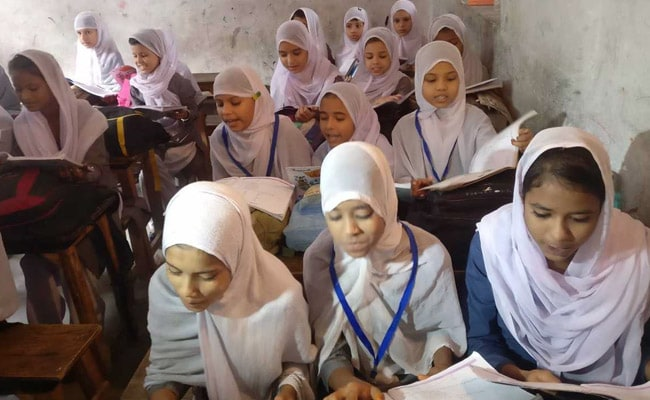 Big Question In This UP Madarsa: How To Implement Government's Textbooks Order