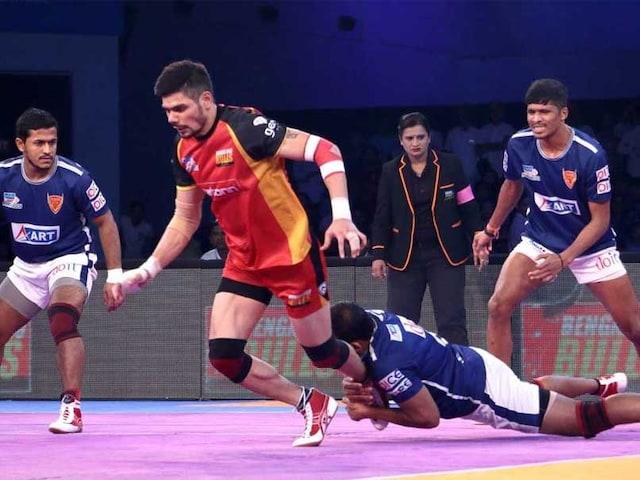 Pro Kabaddi League: Bengaluru Bulls Edge Out Dabang Delhi