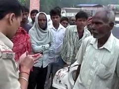 बिहार पुलिस का कारनामा, हाथों पर ही लिख डाली राशन चोरी की रिपोर्ट