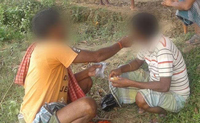 बिहार में है शराबबंदी, फिर पुलिस ने क्यों पिलाई शराब?