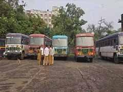 महाराष्ट्र राज्य परिवहन के कर्मचारी गए हड़ताल पर, दीपावली में घर जा रहे लोगों को हो रही है बड़ी दिक्कत