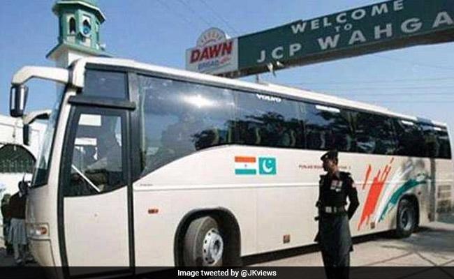 श्रीनगर-मुजफ्फराबाद 'कारवां-ए-अमन' बस सेवा एक सप्ताह स्थगित रहने के बाद फिर बहाल