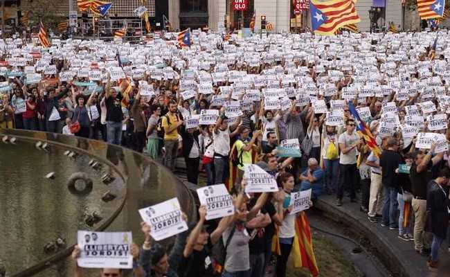 450,000 Gather To Protest As Spain Moves To Sack Catalan Government