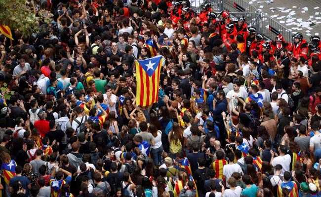 Catalonia On Strike Over Independence Poll Violence