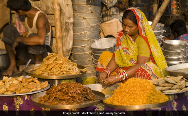 Chhath Puja 2018: Chhath Puja Sunset And Sunrise Time, Significance, Fasting Rules To Follow
