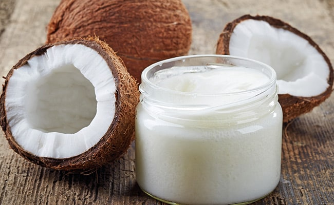 coconut oil helps in fighting bacteria