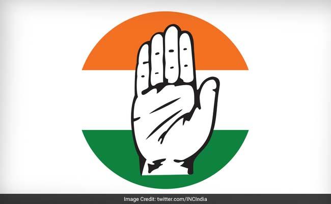 गुजरात विधानसभा चुनाव : पहले चरण में इस मामले में बीजेपी से भी आगे निकली कांग्रेस
