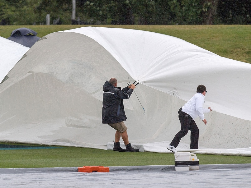 The report said there are issues to address such as how to handle the run-off water and safety in high winds The technology is believed to be at least two ... & Giant Tentsu0027 Could End Rain Delays In Cricket: Report