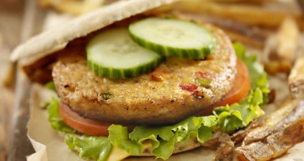 Craving Something Yummy And Diet-Friendly? Try This Home-Made High Protein Burger!