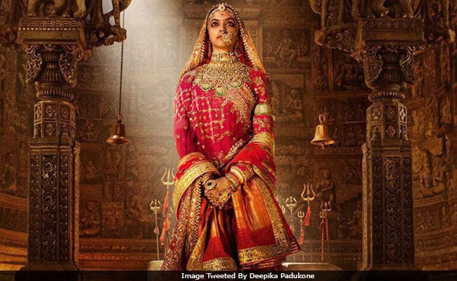 Deepika Padukone Tweets To Smriti Irani For 'Action' On Vandalised Padmavati Rangoli