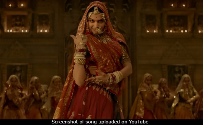 Padmavati's Ghoomar Song: Deepika Padukone Twirls. Shahid Kapoor Is Speechless And So Are We