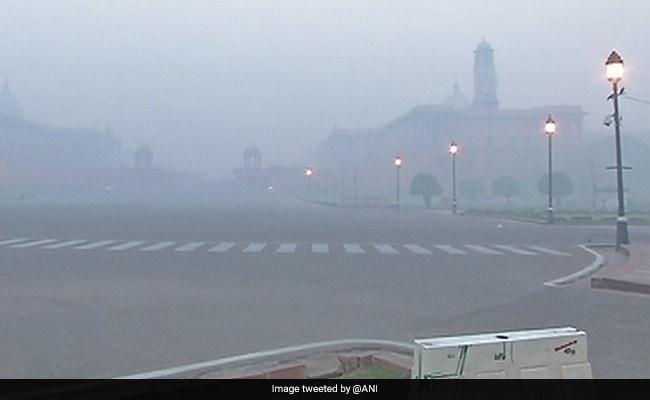 दीवाली पर सुप्रीम कोर्ट के बैन का असर नहीं दिखा, दिल्ली-NCR में जमकर हुई आतिशबाजी, धुएं में सिमटा शहर