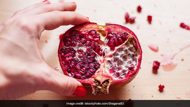 deseeding pomegranate