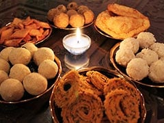 Chaklis, Chiwda to Bhakarwadi What Goes Into Making the Perfect Maharashtrian Faral For Diwali
