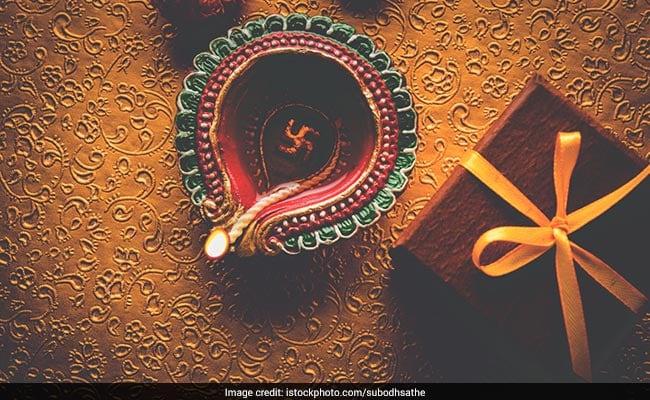 Diwali 2017: इसलिए की जाती है दीवाली में मां लक्ष्मी के साथ भगवान गणेश की पूजा