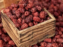 7 Fantastic Dry Dates (Chhuara) Benefits: From Bone Health to Boosting Energy and More!