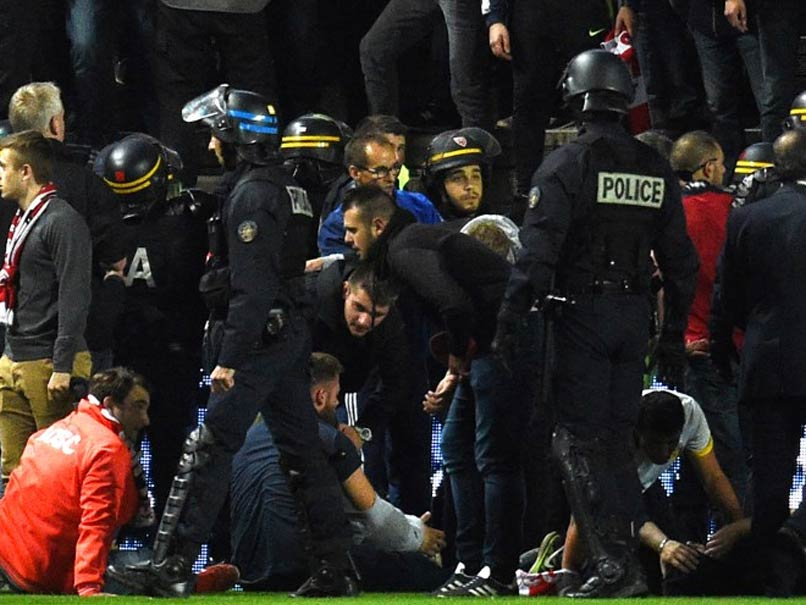 29 Hurt As French Stadium Barrier Collapses