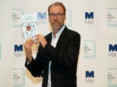 अमेरिकी लेखक जॉर्ज सॉन्डर्स को 'लिंकन इन द बाडरे' के लिए मिला 2017 का 'मैन बुकर पुरस्कार'
