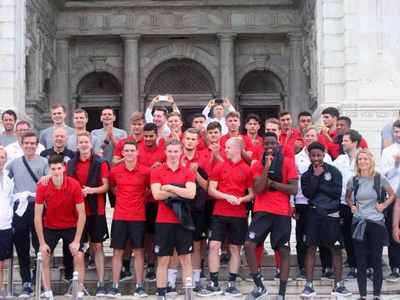 U-17 World Cup: German Team Visits Iconic Victoria Memorial In Kolkata