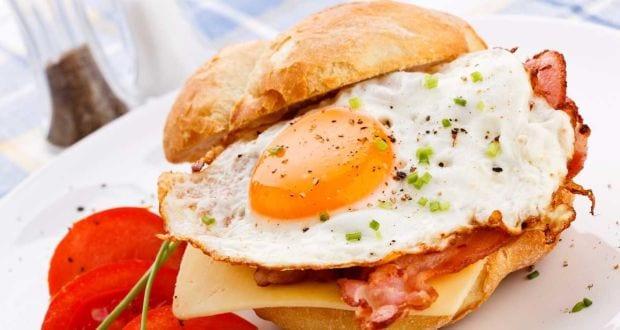 ग्रिल्ड चीज़ अंडा सैंडविच