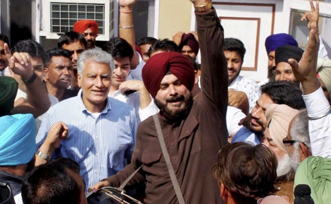 'Lost by 400 Runs,' Navjot Sidhu Exults Over Former Party BJP's Defeat In Gurdaspur