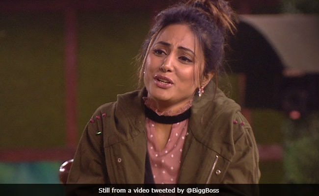 Bigg Boss 11: Hina Khan, Dhinchak Pooja's Drama Can't Save The Show?