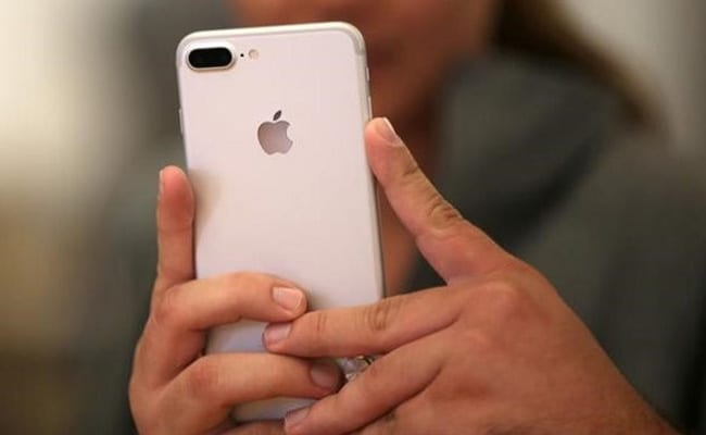 aa3cdddef23 iPhone Sales In India To Fall For First Time In 4 Years  Research Firm