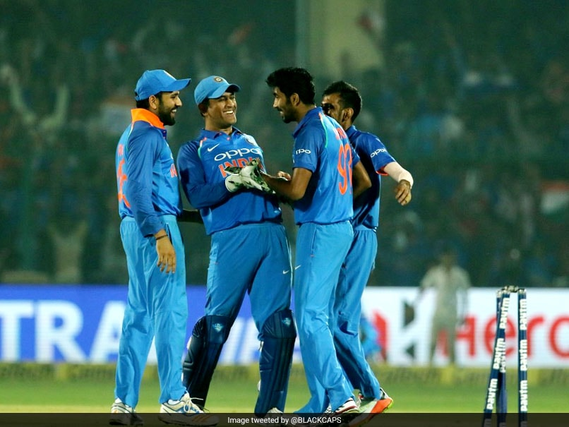 India vs New Zealand 3rd ODI: Jasprit Bumrah's Aim At The Stumps Leaves MS Dhoni In Splits