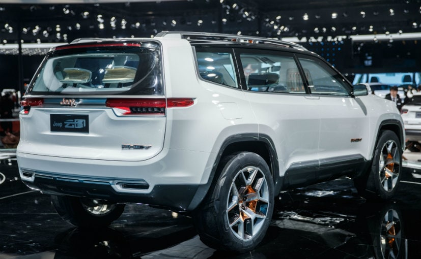 jeep working on an suv with three rows patent drawings reveal ndtv carandbike. Black Bedroom Furniture Sets. Home Design Ideas