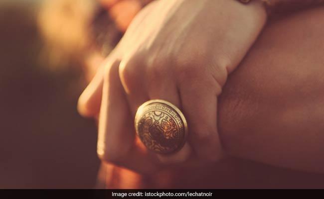 अक्षय तृतीया पर सोना खरीदना होता है शुभ, खरीदते समय रखें इस बात का ध्यान