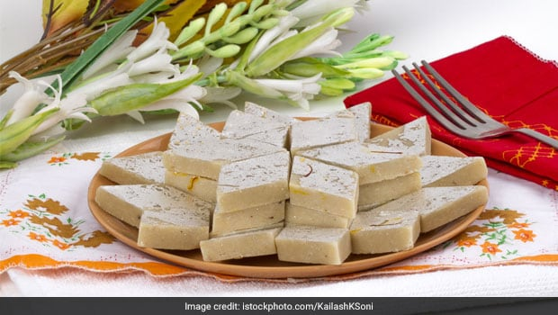 Diwali 2017: Love Kaju Katli? 5 Reasons Why Homemade Kaju Katli is a Better Idea