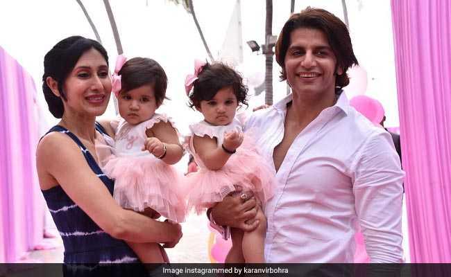 Photos: करणवीर बोहरा की जुड़वां 'परियों' के पहले Birthday Bash में पहुंचे टीवी के सितारे