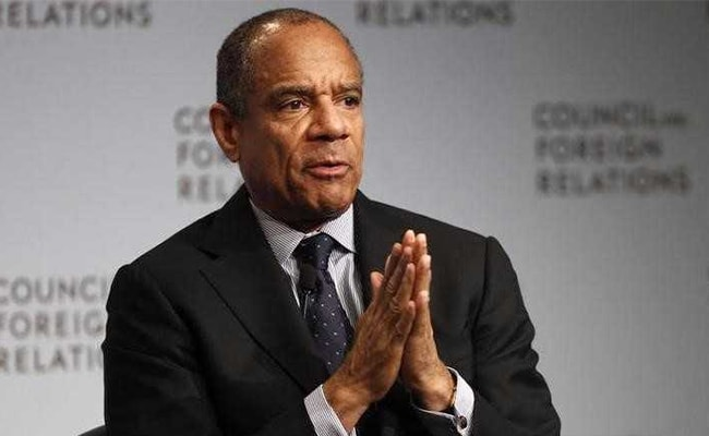 Kenneth  Chenault joined American Express (AmEx) in 1981
