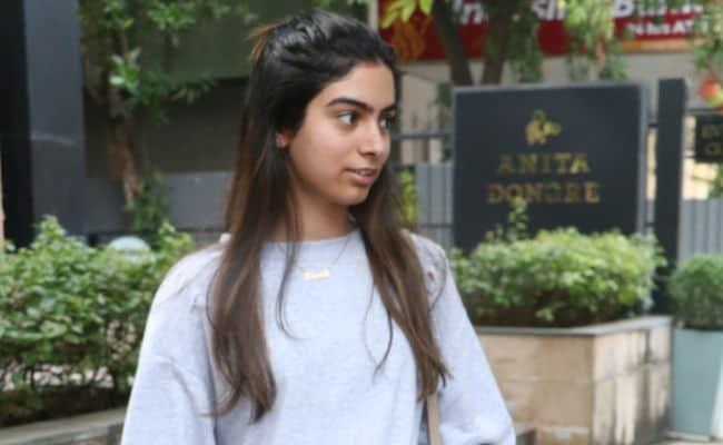 Inside Sridevi's Daughter Khushi Kapoor's Diwali Shopping
