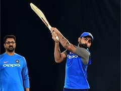 India vs Australia: Virat Kohli, MS Dhoni Cheer Fans With Left-Handed Batting