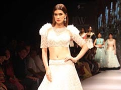 Why Kriti Sanon Cried In An Auto After Her Catwalk Debut