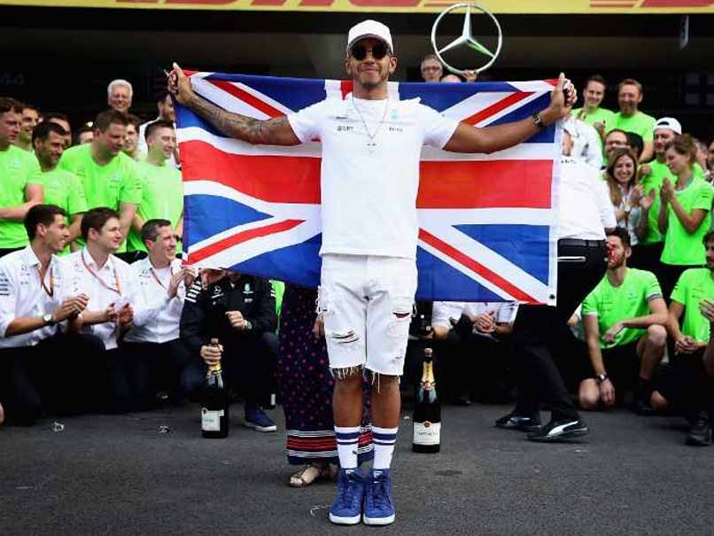 Lewis Hamilton Claims 4th World Title, Max Verstappen Wins In Mexico