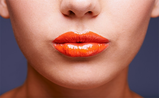 Home Remedies: Natural Ways To Get Smooth Lips in Winters