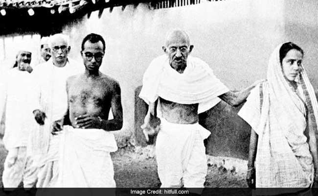 गांधी इतना पैदल चले कि धरती के दो चक्कर लग जाते, पढ़ें उनसे जुड़ी दिलचस्प बातें