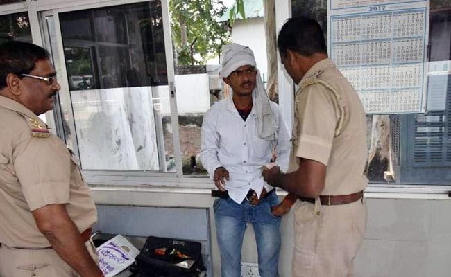 तमंचा लेकर सीएम योगी आदित्यनाथ से मिलने जा रहा सिरफिरा गिरफ्तार