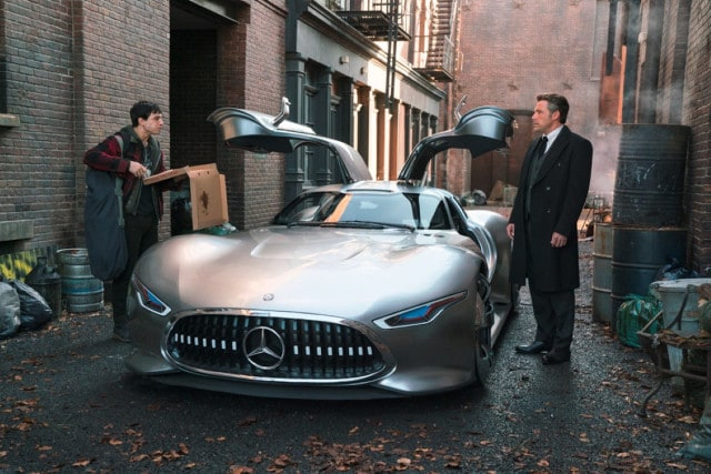 Mercedes-Benz AMG Vision Gran Turismo stars in Justice League