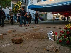 Mexican Federal Agent Shot Dead With Mother; Mayor Killed
