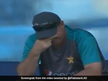 Watch: Mickey Arthur, Sarfraz Ahmed Fume As Wahab Riaz Misses Run-Up 5 Times In A Row