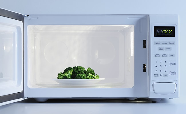 Beware! Diseases You Never Knew Your Microwave Was Causing