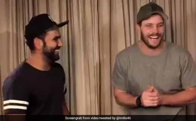 Video: जब रोहित शर्मा ने न्यूजीलैंड के गेंदबाज मिचेल मैक्कलेंघन के हिंदी बोलने के कौशल का लिया 'टेस्ट'