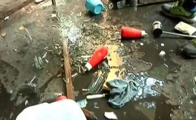 MNS, Congress Workers Clash In Mumbai's Dadar Over Hawkers' Eviction