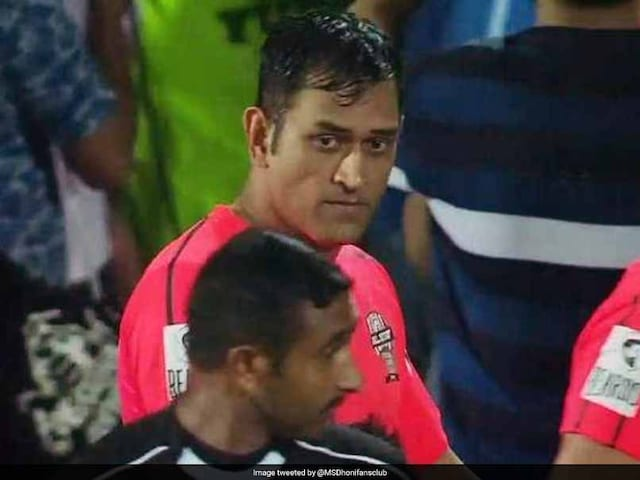 Arsenal Should Sign MS Dhoni: Twitter Goes Gaga After Celebrity Clasico